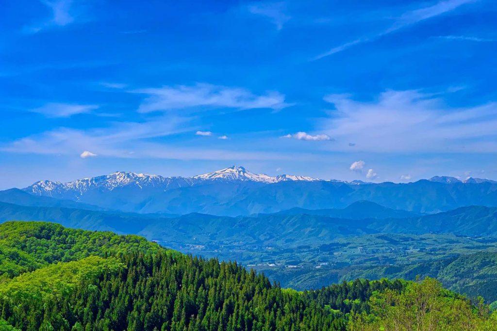 林道白尾鷲見線から白山の眺望