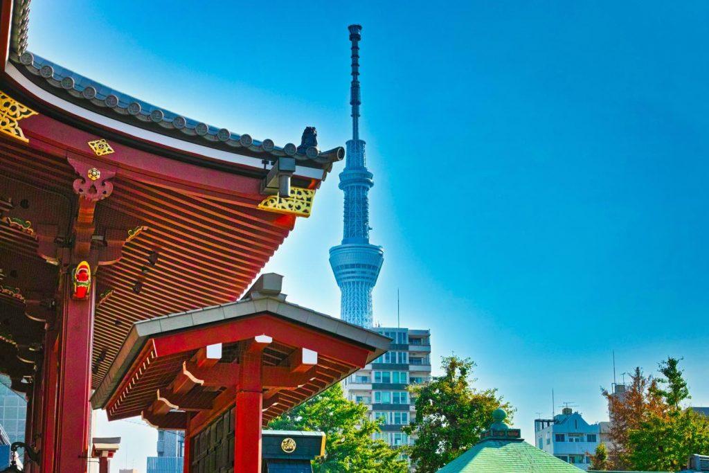 浅草寺から見える東京スカイツリー
