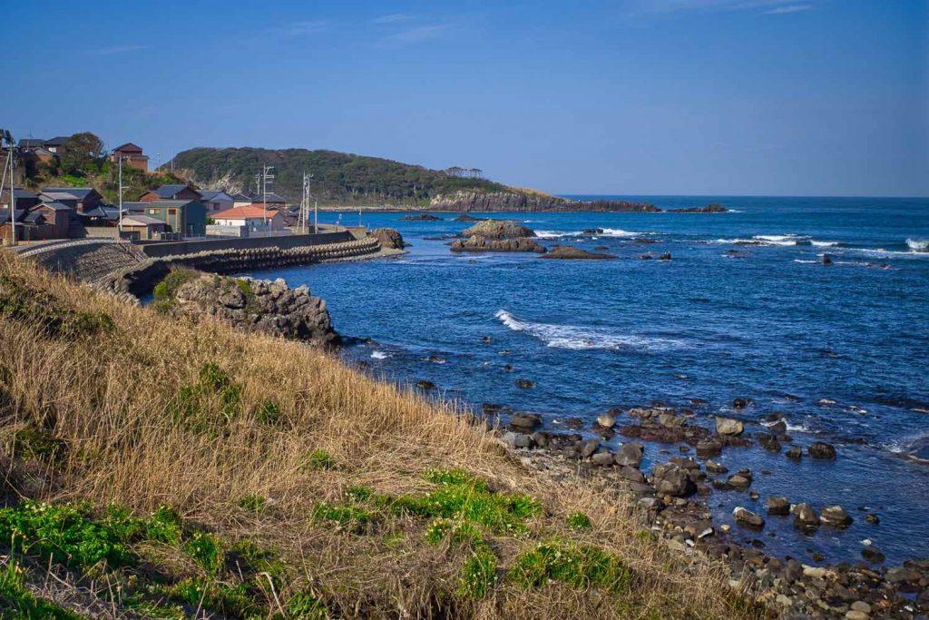 海岸から眺める雄島