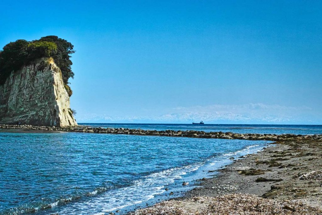 軍艦島と立山連峰